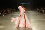 Desfile Jean Louis Sabaji no Fashion Forward, em Dubai (Foto: Getty Images)