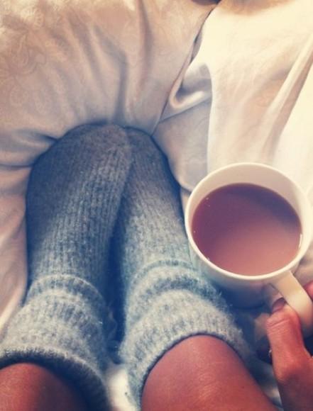 A gente pode (e deve!) ter um tempinho para relaxar e curtir a preguiça! (Imagem: Pinterest/buzzfeed)