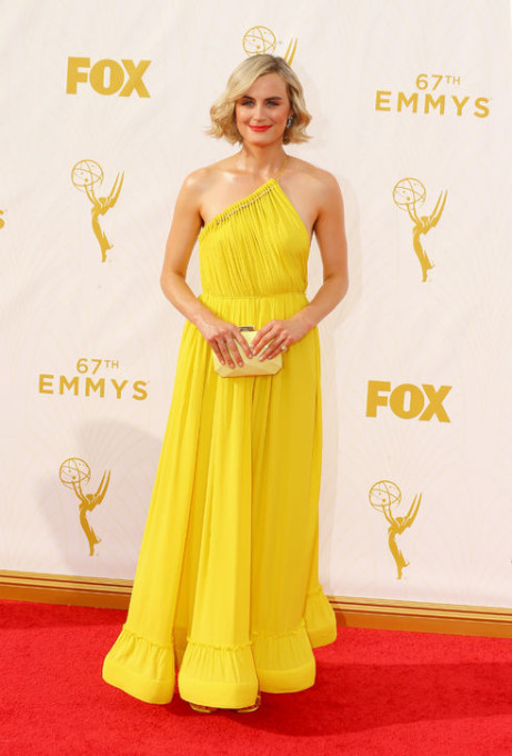 2015-emmys-red-carpet-best-dressed-taylor-schilling-h724