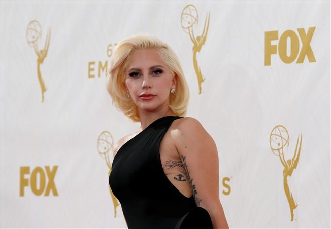 Lady Gaga coleção de estreia do estilista Brandon Maxwell EPA
