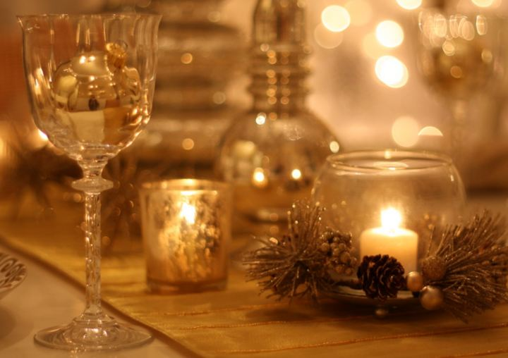 closeup-of-wine-glass-and-candle