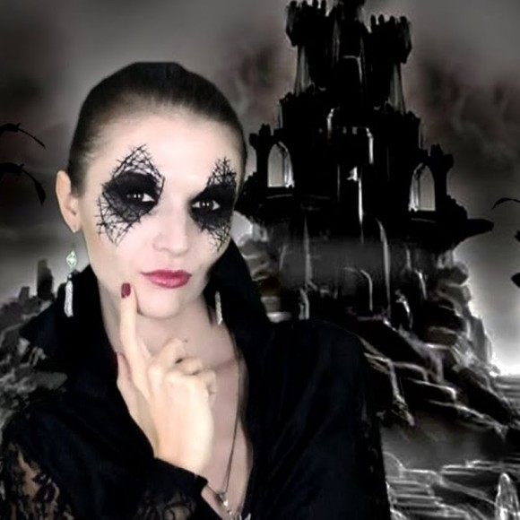 hall 5 sexy-witch-halloween-makeup-tutorial_look_6a27e8c34c89c869170d2270d9330249_look