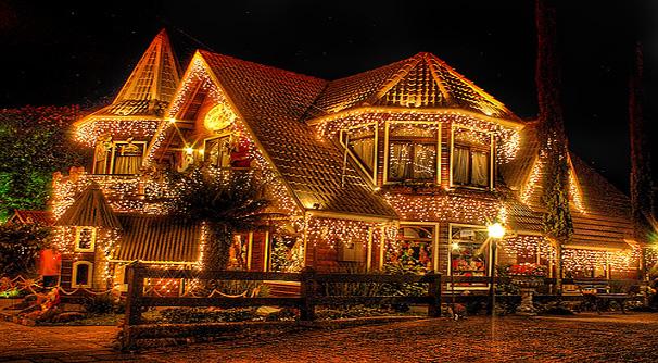 O Natal de Luz de Petrópolis apresenta decorações incríveis durante todo o mês de dezembro. Os pequenos vão adorar!