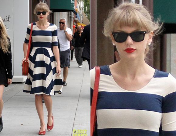Mais uma vez o navy aparece com tudo no guarda-roupas de Taylor.