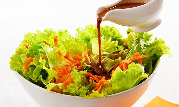 salada-ao-molho-de-shoyu-e-alho