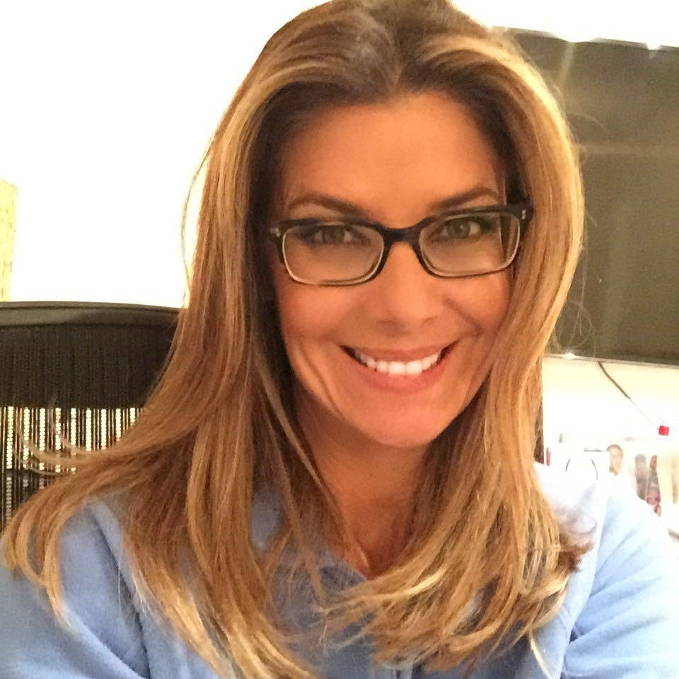 Maquiagem para quem usa óculos. Copie já o passo a passo!   Fabiana ... 195dc88c54