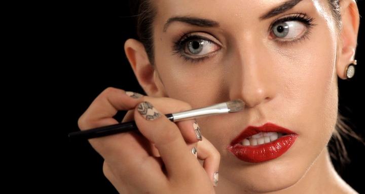 afinar-la-nariz-con-maquillaje1