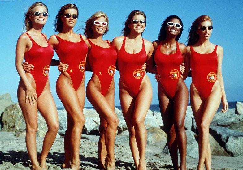 Os maiôs asa-delta vermelhos eram a marca da série Baywatch nos anos 80