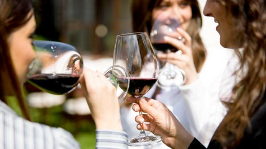 party_wine_women_istock