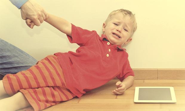 super-nanny-10-regras-de-ouro-menino-chorando-02