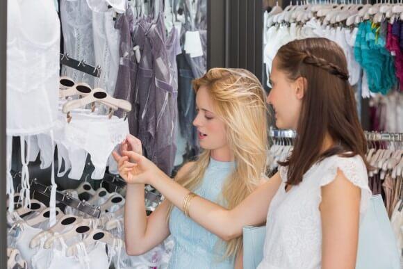 lingerie-shopping-1-580x387