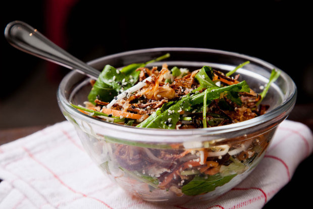 salada-de-frango-spicy_ici-brasserie_2