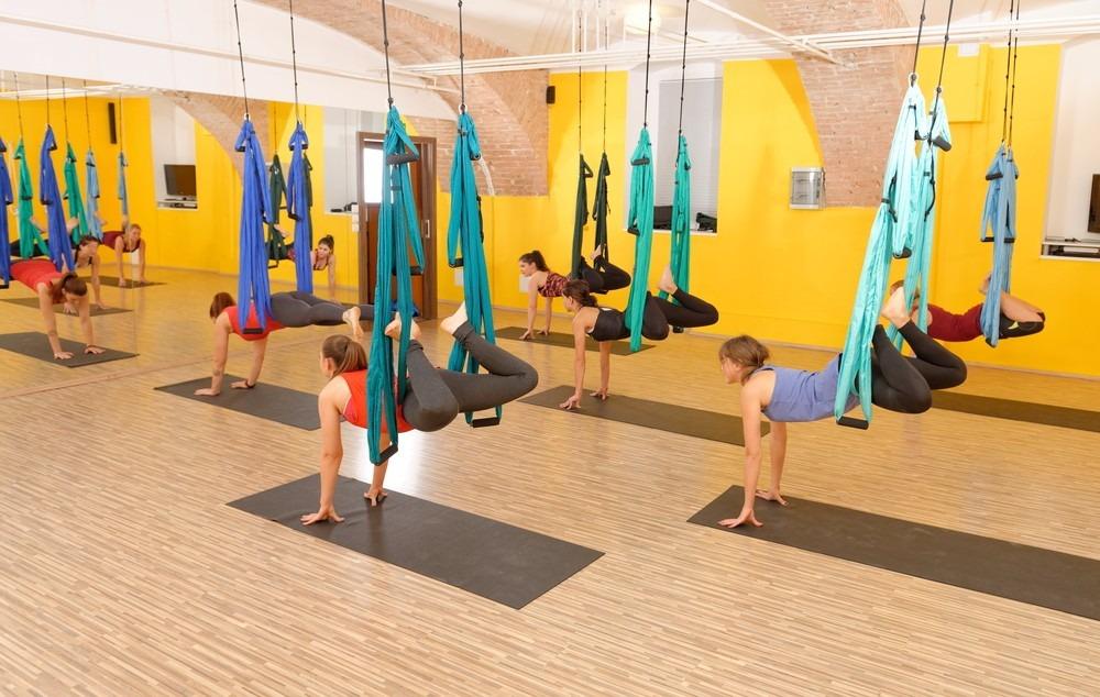 aereo-pilates-yoga-balance-swing-suporte-teto-4-parabolts-D_NQ_NP_458011-MLB20467149821_102015-F