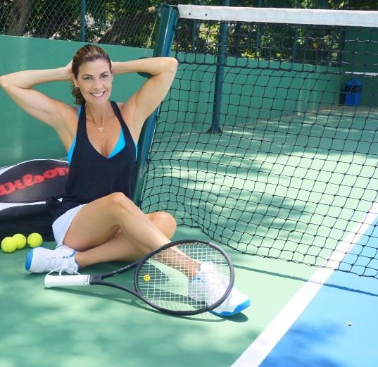 Adoro uma boa partida de tênis logo pela manhã!