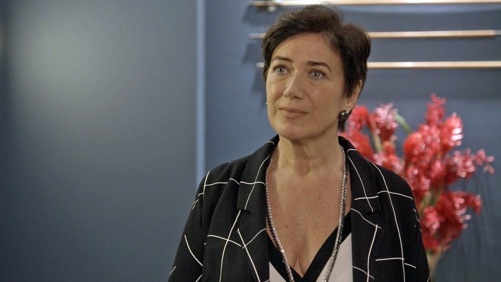 Silvana, personagem de Lilia Cabral também é fã dos nudes! (Foto: TV Globo)