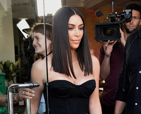 kim-kardashian-with-new-shorter-hair-1490952534-view-0