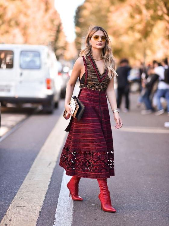 moda - vestido com bota foto de destaque