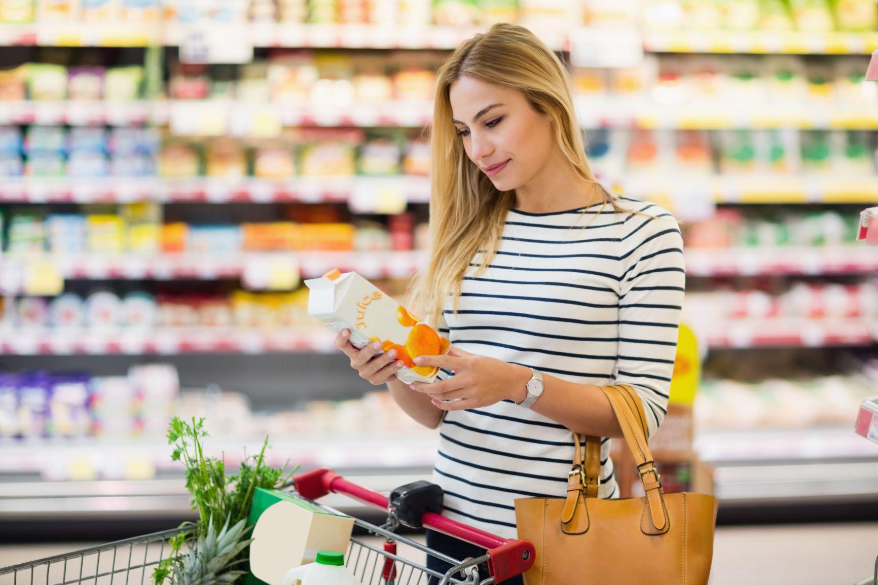 dinheiro - economizar supermercado foto de dentro